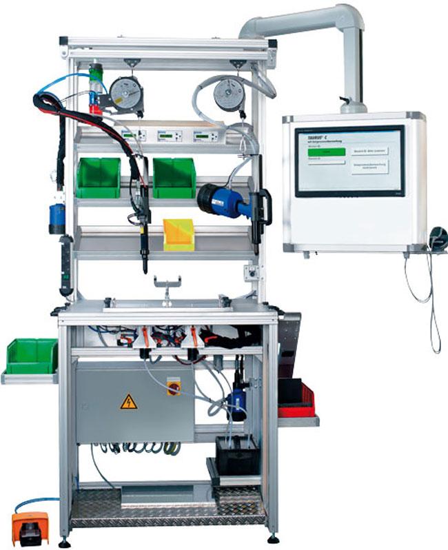 Höhenverstellbarer Montagearbeitsplatz für das ergonomische Arbeiten