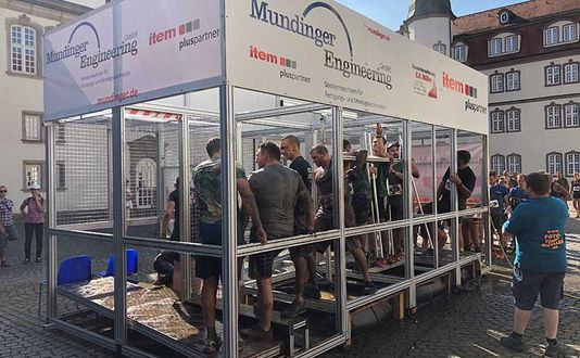 "Mundinger bereichert Extrem-Hindernislauf ""Red Castle Run"" mit Tecbox"