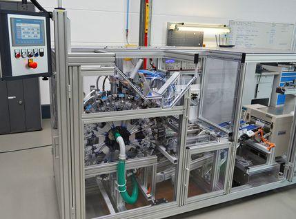 Automatische Montage- und Verpackungsanlage