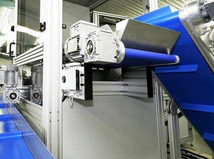 Automatische Verpackungsanlage mit Zuführsystem