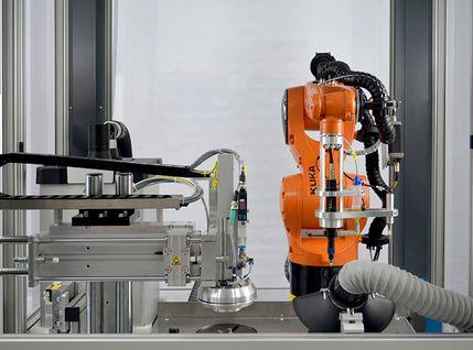 Montageanlage mit Kuka Roboter