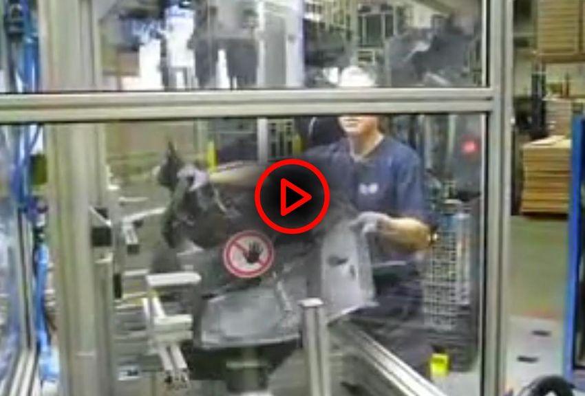 Video Zweihandschaltung an verstellbarer zugangsbeschränkender Schutzeinrichtung