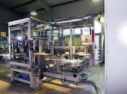Kolben-Montageanlage