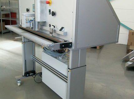 AVT-Siegelstation 1400 MED in CE-gerechtem Aufbau