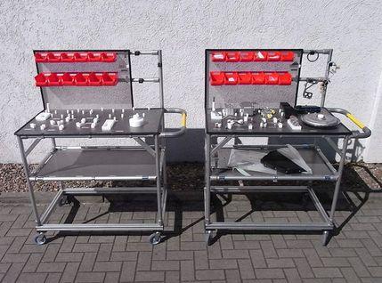 Kommissionierwagen mit Greifschalen aus flexiblen Aluminium-Rundprofilen